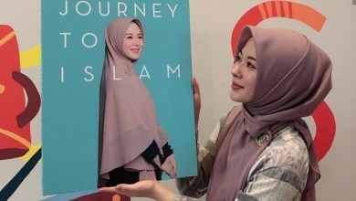 Photo of Masuk Islam, Ayana Moon Jadi Sering Tersenyum