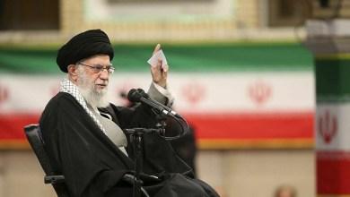 Photo of Pemimpin Tertinggi Syiah Iran Duga COVID-19 Senjata Biologis