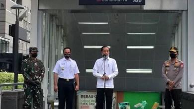 Photo of Bersama Gubenur Anies, Presiden Jokowi Tinjau Persiapan Normal Baru di Stasiun MRT HI