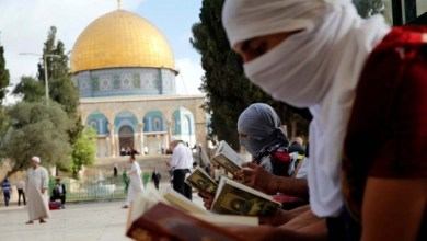 Photo of Hadang Serangan Zionis, Warga Palestina Jaga Al-Aqsa di Hari Arafah dan Idul Adha
