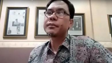 Photo of Munarman: Sistem Politik Bangsa Sudah Liberal Kapitalistik, Harus Dirombak Total