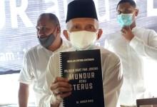 Photo of Saran Amien Rais ke Jokowi: Mundur atau Terus tapi Banting Setir