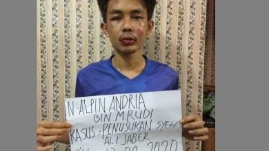 Photo of Pelaku Penusukan Syekh Ali Jaber Ngaku Halusinasi, Fadli Zon tak Percaya