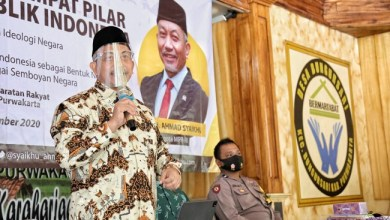 Photo of Presiden PKS Minta Jokowi Keluarkan Perppu Cabut UU Ciptaker