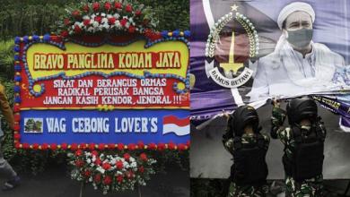 Photo of Militer di antara Baliho dan Karangan Bunga