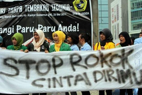 Aksi Warga Jakarta saat Hari Tanpa Tembakau - BEM Ukrida
