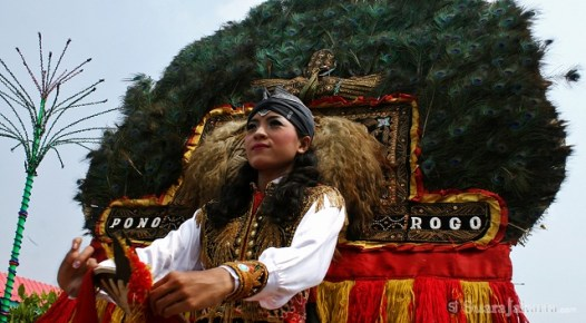 10092012 Merak Ponorogo menyambut tamu rombongan dari wakil masing kotamadya