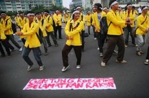 Aksi Flash Mob Mahasiswa UI - SuaraJakarta.com (6)