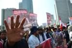 4 Jari adalah simbol untuk solidaritas Mesir yang pertama kali dicetuskan oleh PM Turki, Erdogan. (Foto: Fajrul Islam/SuaraJakarta)