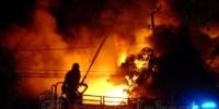 Kebakaran di Jakarta Barat Menghanguskan Gudang Kartu Domino