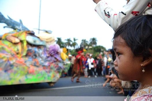 1-suara-jakarta-parade-budaya-hut-kemerdekaan-RI-69