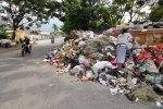 Tumpukan Sampah Menggunung di Pengadegan, Jaksel. Dimana Pemerintah?