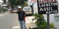 Duh! Camat Senen Larang Pengusaha Cat Duko Berjualan di Bahu Jalan