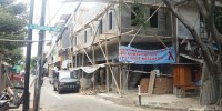 Tanpa IMB, Bangunan 2 Lapis Dibongkar Petugas