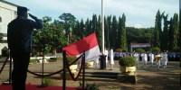 Wakil Walikota Jakpus Beri Apresiasi Dan Berikan Piala Pengelolaan RPTRA