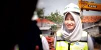 Anies Perkenalkan Salah Satu Masinis Perempuan MRT Jakarta, Tiara Namanya