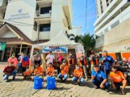 Dewan Kota Jakpus Ardy Purnawan Sani dan Jakmania Tenabang - SuaraJakarta.co