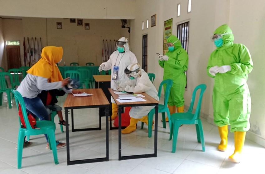 20 Warga Ikuti Rapid Test Di Desa Margo Lestari Kecamatan Jati Agung