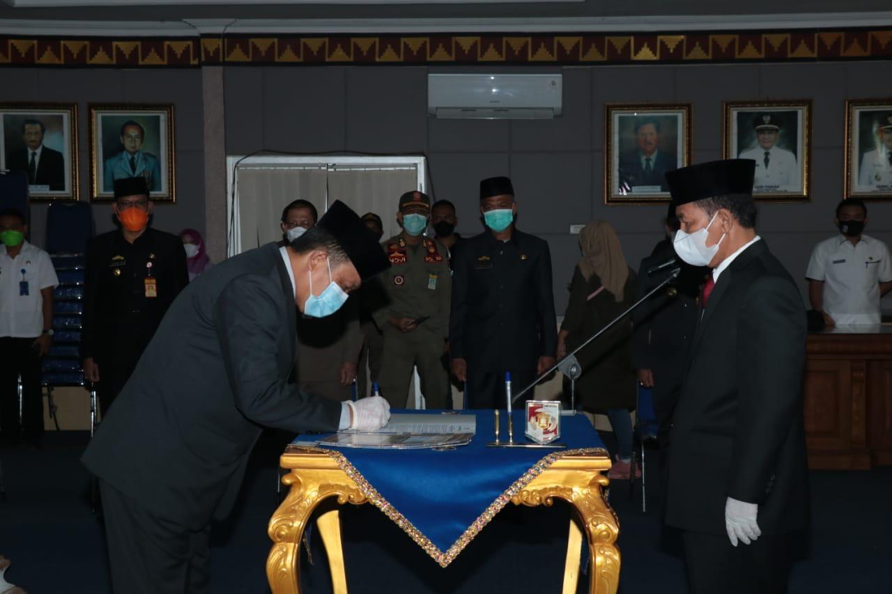 Bupati Lampura Hi. Budi Utomo Melantik Tiga Pejabat Pimpinan Tinggi Pratama