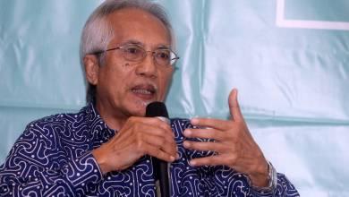 Photo of Kadir Jasin: Pencalonan PM Muhyiddin tidak diputuskan oleh Majlis Tertinggi Bersatu