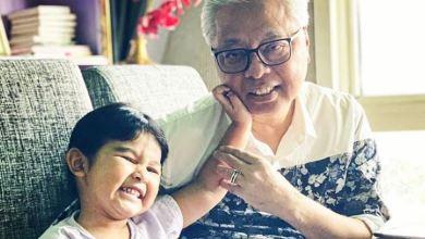 Photo of Selesai kuarantin, Ismail Sabri kena 'lock' dengan cucu
