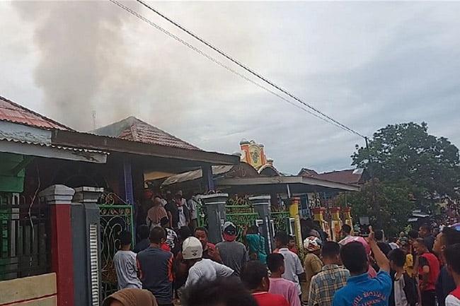 Dua Unit Rumah Mewah di Raha Ludes Terbakar
