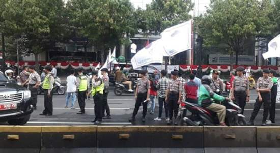 Ricuh, Massa Aksi Bela Rakyat Gorut Jilid 4 Blokir Jalan