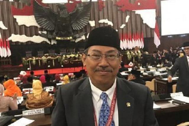 PKS: Soal Impor Cangkul, Jokowi Bukannya Tanggungjawab Malah Curhat ke Publik