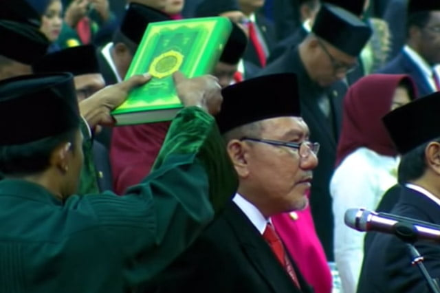 Logika Rakyat: Wakil Rakyat, Abu Jahal Saja Jujur Kalau Bersumpah Demi Allah
