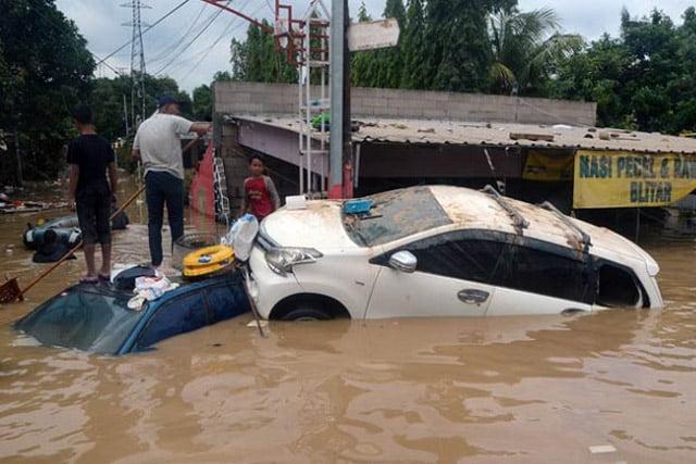 Auto2000 Beri Program Khusus Mobil Toyota Yang Terendam banjir