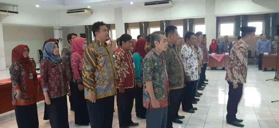 37 pejabat yang menduduki jabatan anyar mengikuti pelantikan di Lantai IV Kantor Bupati Rembang Selasa (31/12) siang