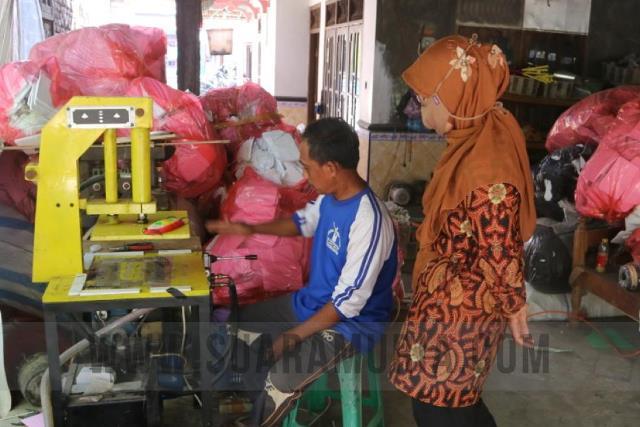 mesin untuk perajinan mainan tradisional