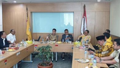 Photo of Setlah PAN, Cawagub Gerindra Kantongi Suara Dari Fraksi Golkar DPRD DKI