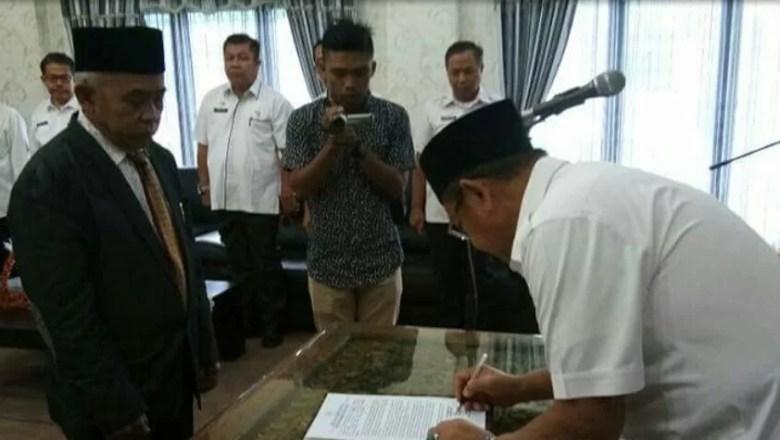 Bupati Sarolangun Lantik Direktur Utama BUMD Serumpun Pseko yang Baru