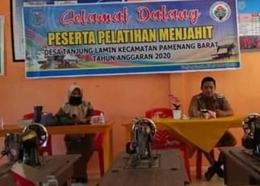 Camat Pamenang Barat Buka Pelatihan Menjahit Di Desa Tanjung Lamin.