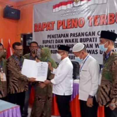 KPU Muratara Tetapkan HDSTULLAH Sebagai Bupati Dan Wakil Bupati Terpilih