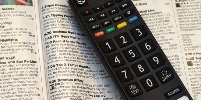Cara Menyalakan TV Tanpa Remote