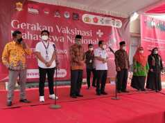 Foto,Rektor IAIN Metro,Siti Nurjanah Menghargai Perjuangan BEM IAIN Metro Sebagai Tuan Rumah Vaksinasi di Lampung