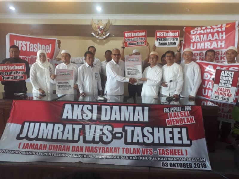 Tolak Kebijakan Biometrik, Calon Jemaah Haji Demo Kemenag Kalsel