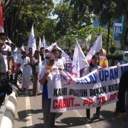 Demo DPRD Kalsel, Serikat Pekerja Metal Tuntut Kenaikan Upah