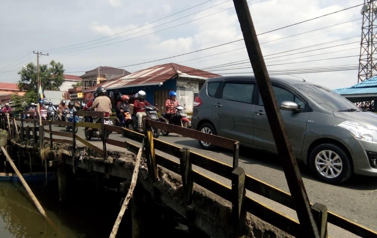 Pembangunan Jembatan Sungai Lulut Tunggu Pembebasan Lahan