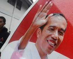 Bawaslu Buru Pemasang Spanduk Fitnah 'Jokowi Bersama PKI'