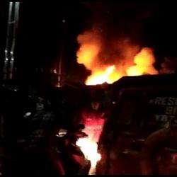 Giliran Rumah di Gang Pandan Sari Diamuk Api