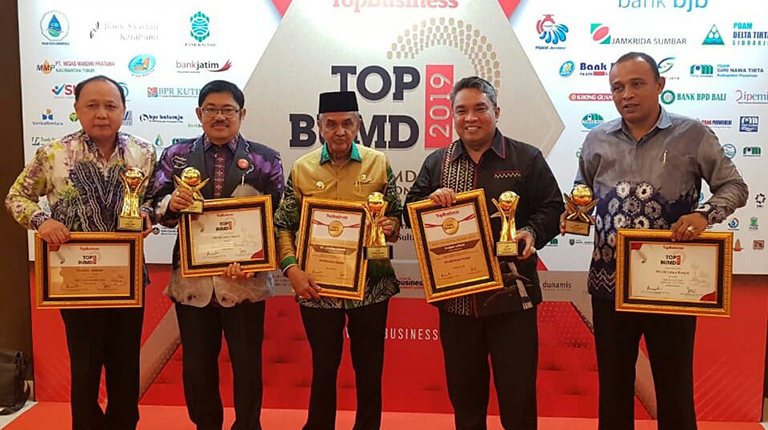 WOW PDAM Intan Banjar Sabet Lima Kategori TOP BUMD 2019