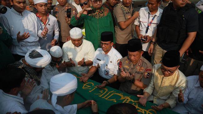 Allah SWT Kabulkan Keinginan Ustadz Arifin Ilham Dimakamkan Malam Jumat