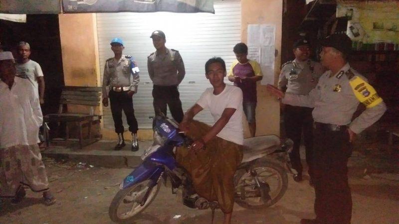 Polisi Sambangi Warga yang Sedang Berkumpul di Sejumlah Desa dan Inilah Pesannya