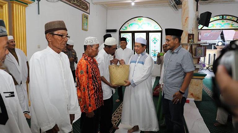 Berbuka Bersama, Walikota-Pelindo III Salurkan Sembako