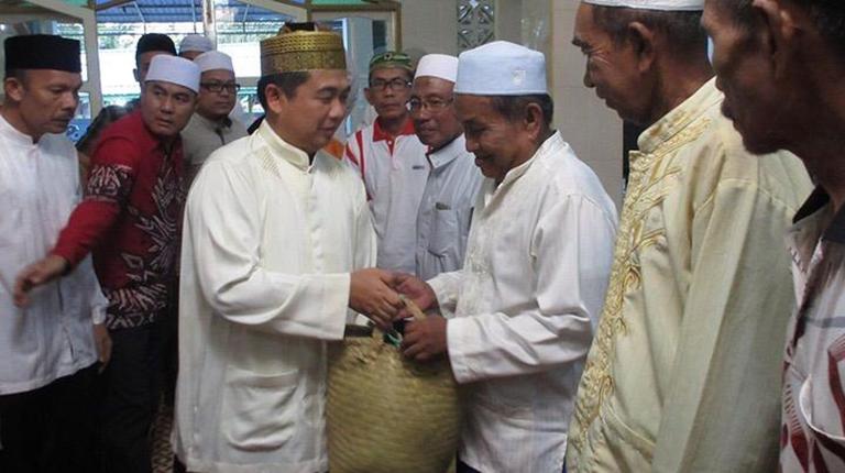 Ibnu Buka Puasa di Masjid Darrutaqwa Mantuil