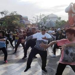 Mataya Flashmob Jogja Tarik Perhatian Pengunjung