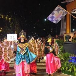 TUMPLEK Ribuan Warga Banjarmasin Saksikan Night Carnival
